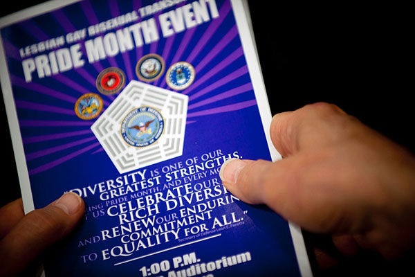 http://www.military.com/daily-news/2016/09/16/navy-to-hold-all-hands-training-webinars-new-transgender-policy.html
